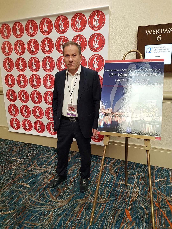 Dr. Nikos Naoum